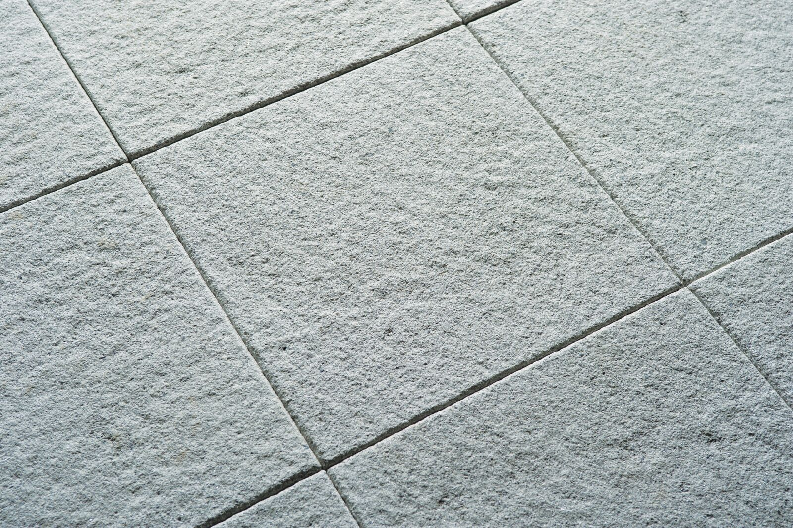 Granaza Paving Flag Textured Lux (Silver) 400x400x40mm (Bevel Edge)